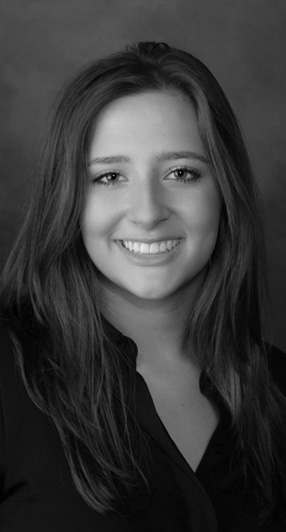 <strong>BLAIZE</strong></br></br></br> Blaize is a highly motivated Real Estate Agent. She received her license at the age of 19, while working to obtain a BSBA in Business Management, at East Carolina University. Her dedication has allowed her to develop a strong marketing and digital skill set, making her a valuable asset to your next Real Estate endeavor.